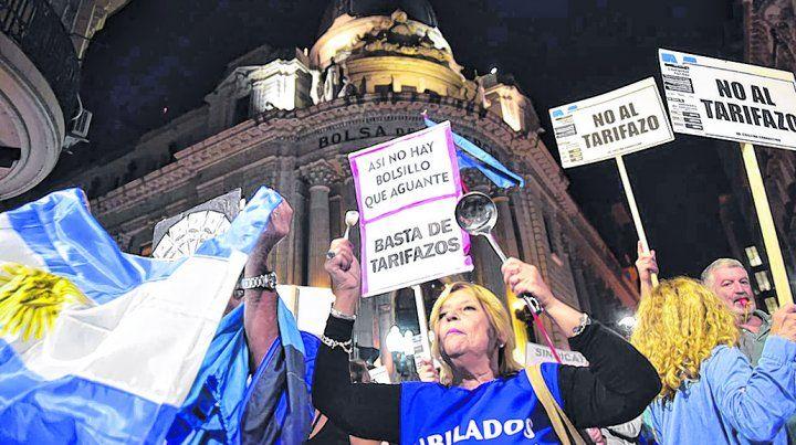 contra los aumentos. Los rosarinos se sumaron al ruidazo nacional por la suba de los servicios públicos.