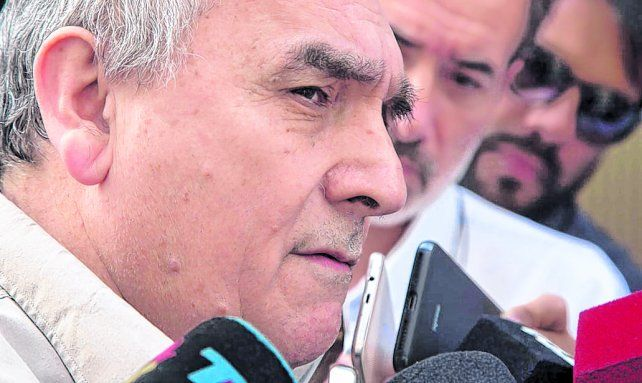 crítico. Juan Carlos Schmid