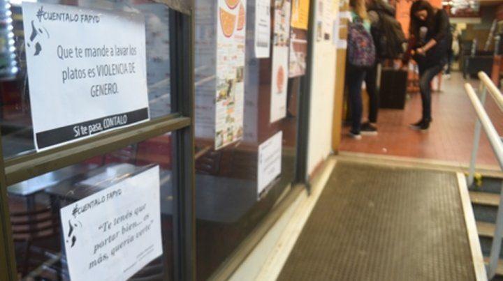 exposición. Los carteles en la Facultad de Arquitectura promovieron nuevas acciones institucionales.