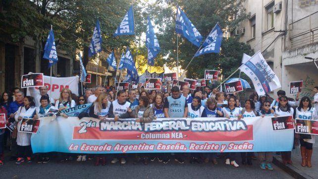 La marcha federal de docentes pasó esta tarde por Rosario.