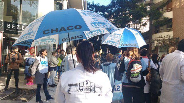 La marcha federal de docentes pasó esta tarde por las calles de Rosario.
