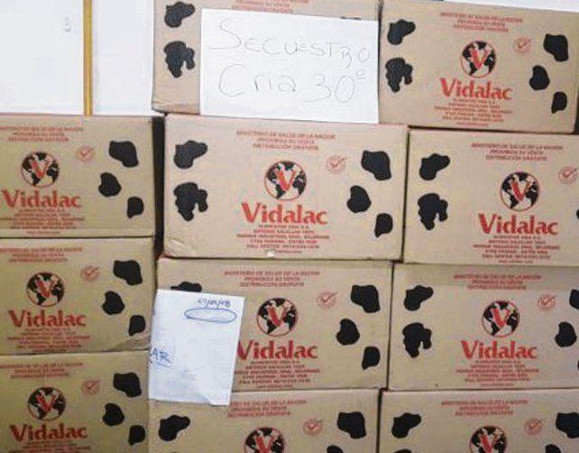 Secuestro. Las leches que eran vendidas por un hombre que fue detenido.