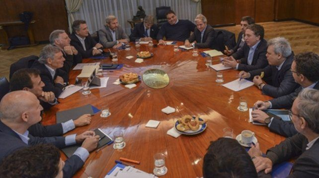 Dujovne bajó línea a los ministros sobre el ajuste por venir.