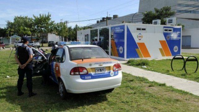 El Ministerio de Seguridad empezó a desmontar las estructuras donde estaban los policías comunitarios.