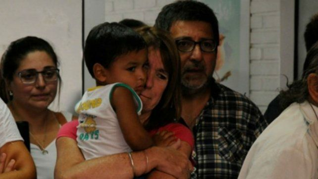 La imagen registra cuando Moria y Gigliotti debieron entregar a Kiki. Ayer las lágrimas fueron de alegría.