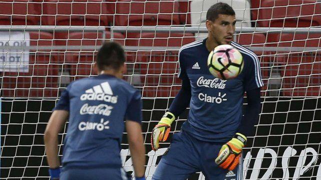 Merecido. El arquero rosarino finalmente irá al Mundial tras integrar el seleccionado argentino en los últimos cuatro años. Lo malo es que fue por la lesión de Romero.