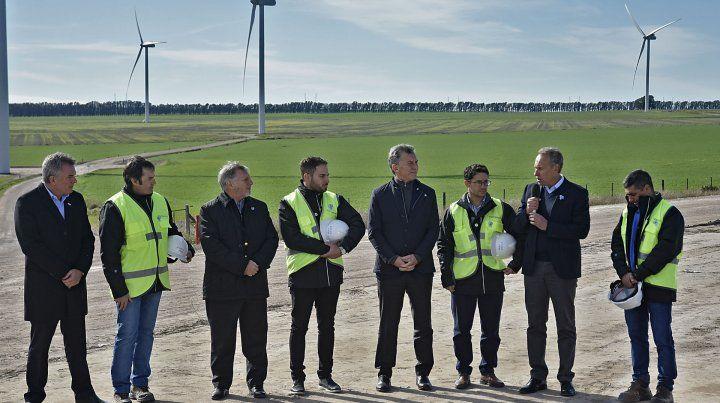 Macri inauguró un parque eólico en Bahía Blanca.