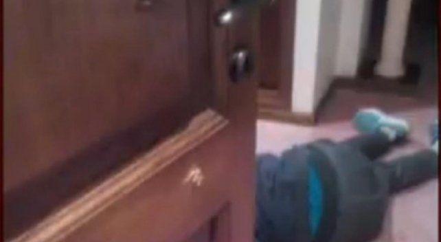 Un empresario encontró a seis ladrones en su casa y mató a uno