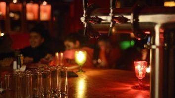A la luz de las velas: gastronómicos, contra los costos de la EPE