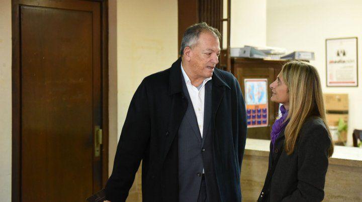 En Tribunales. Mariana Vassalli y su abogado
