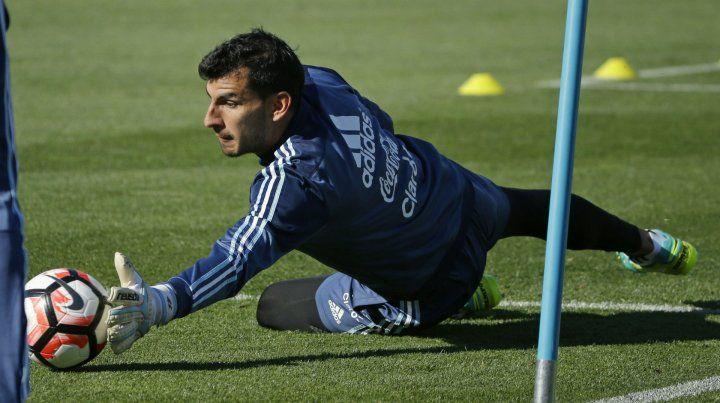 En vuelo. Guzmán se acopló a los entrenamientos de la selección en el predio que la AFA posee en Ezeiza.