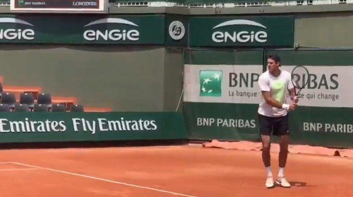 Delpo entrenó, pero no se sabe si juega Roland Garros