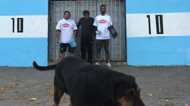 Con todo el color, el barrio de Messi ya palpita el Mundial