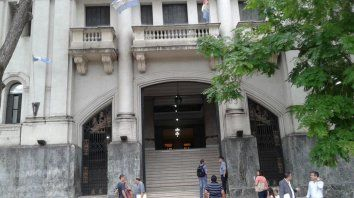 Un preso huyó de los Tribunales de Santa Fe por un ventiluz