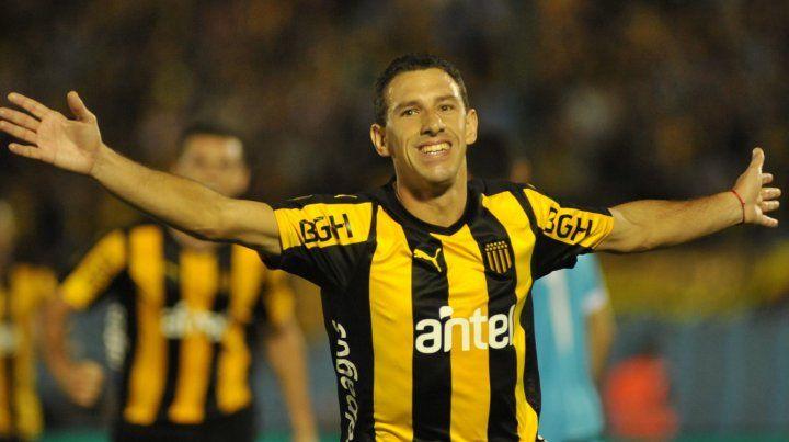 En Uruguay. Maxi Rodríguez continúa en Peñarol pero los rumores lo vinculan a Newells.
