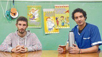 Jerónimo y Martín están a punto de graduarse de maestros jardineros. En la provincia son 15 los varones que estudian esta carrera y poco más de 5.600 las mujeres.