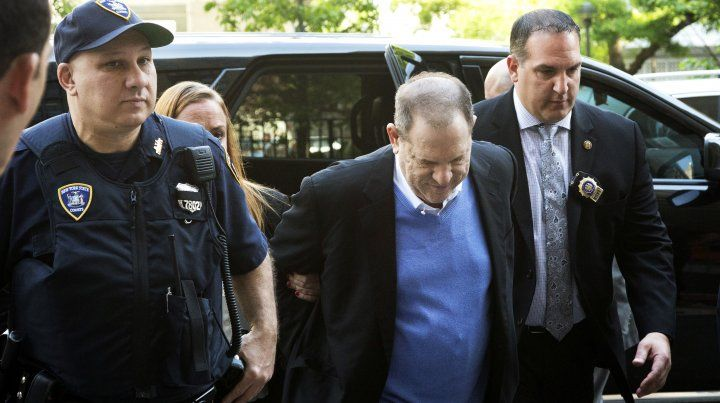 Detienen y acusan por violación y otros delitos sexuales al productor cinematográfico Harvey Weinstein