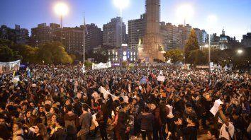 Una multitud se congregó en el Monumento con motivo del II Encuentro Nacional de la Juventud.