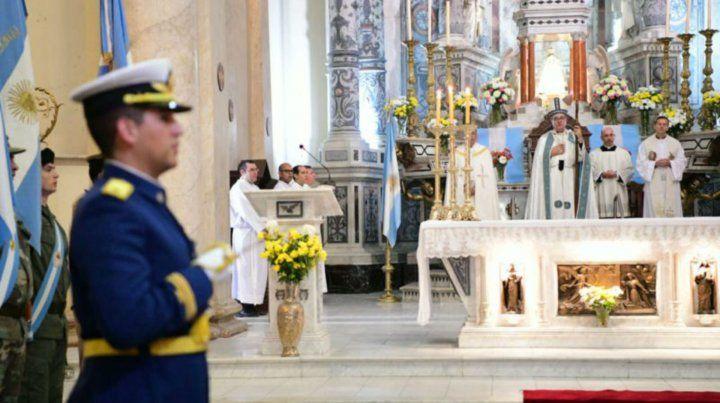 Crítico. El arzobispo Eduardo Eliseo Martín presidió el Tedeum ayer en la Catedral local.