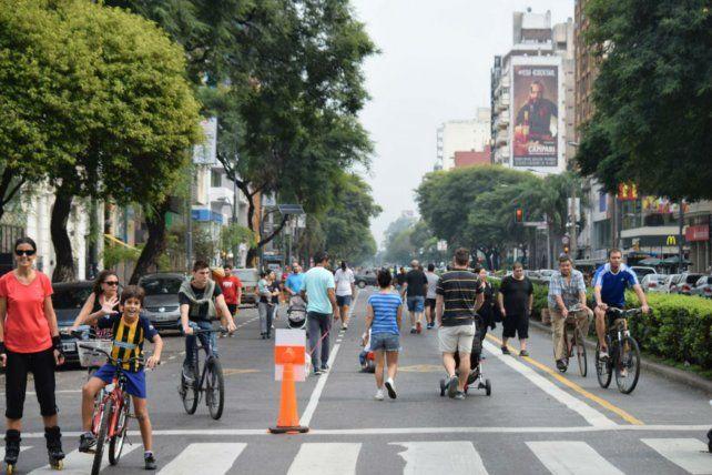 Arteria gastronómica. Los rosarinos tendrán la posibilidad de transitar la avenida plagada de bares y restaurantes.