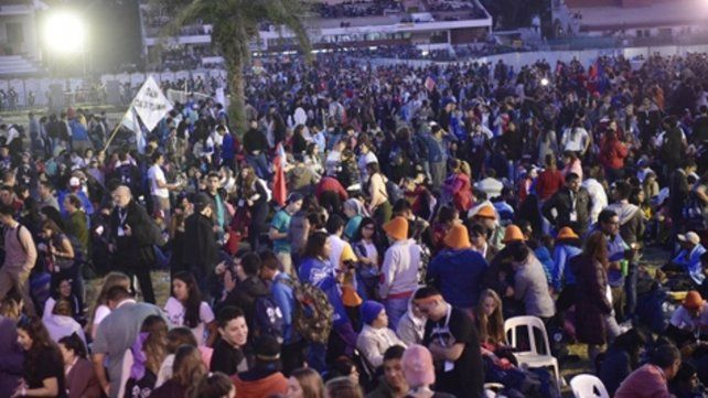 Multitudinario. Así fue el acto del penúltimo día del Encuentro Nacional de los Jóvenes en el Hipódromo.