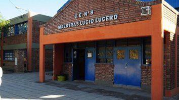 fachada. La escuela Maestras Lucio Lucero de la ciudad capital permanecerá cerrada y será desinfectada.