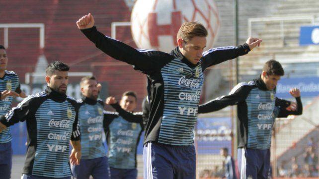 Messi y la selección entrenaron ante una multitud en Huracán