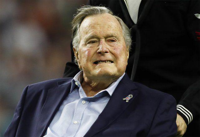 Hospitalizado.Bush padre fue internado nuevamente y estará varios días en observación.