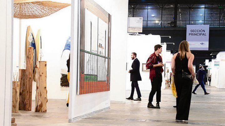 Arteba. El arte argentino es lo único que no se devalúa en el país.