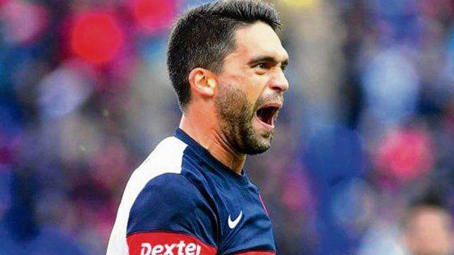 Caudillo. Caruzzo es el jugador con voz de mando en la defensa que quiere el Patón.