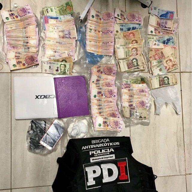 Detienen a nueve personas y secuestran armas, dinero, un auto y drogas