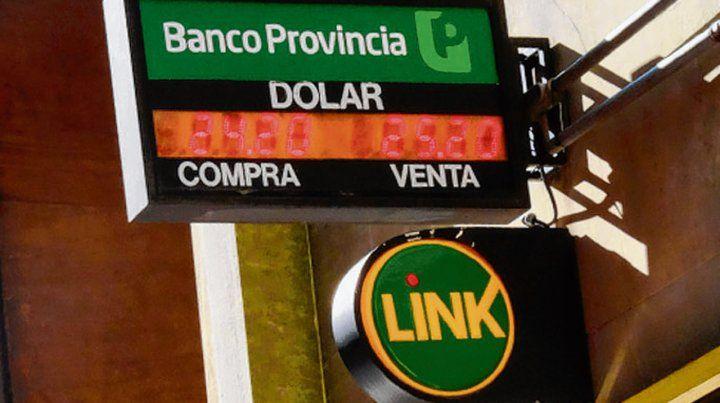 Jornada. El Banco Nación concretó ventas para abastecer la demanda.