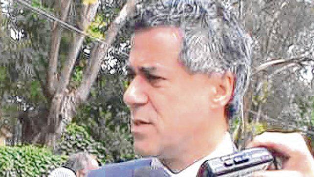 Inspección. El juez Daniel Rafecas durante una recorrida por la Quinta La Pastoril