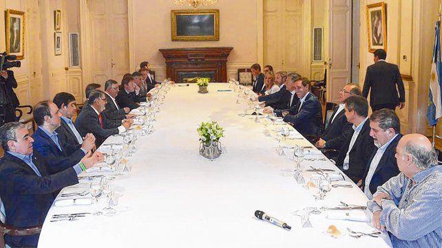 Los intendentes se reunieron en un salón de la Casa Rosada en un encuentro a agenda abierta.