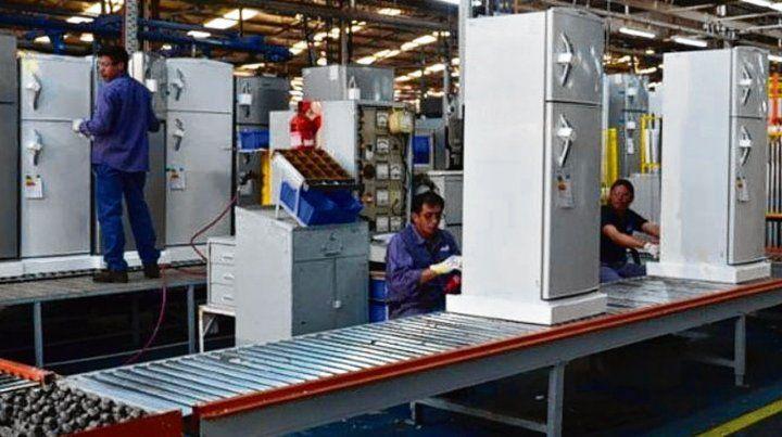 Línea blanca. La crisis hace estragos en los sectores industriales.