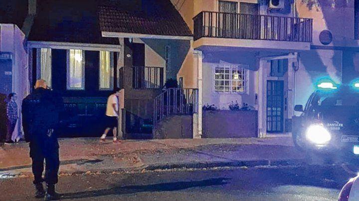 Infernal. Al menos siete tiros fueron disparados contra la casa de Italia 2118 donde vivió Manfrín