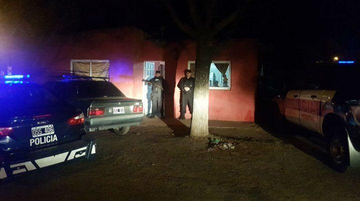 Los efectivos de la Policía Federal en Acebal