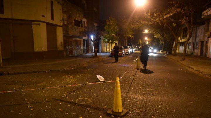 El dueño de la casa atacada dijo que dos balazos dieron contra un mueble
