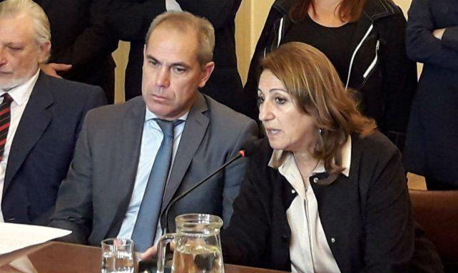 La intendenta participó de la conferencia realizada en el Colegio de Magistrados de Rosario.