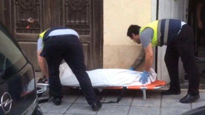 Un hombre encontró a su vecina muerta y momificada