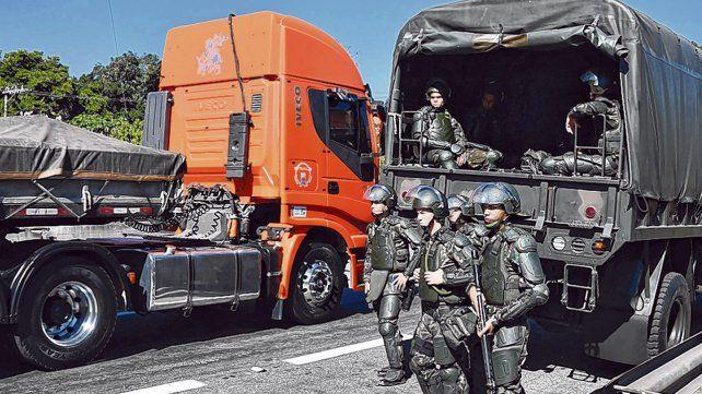 Medidas de fuerza. La protesta de los transportistas brasileños causó problemas de abastecimiento.
