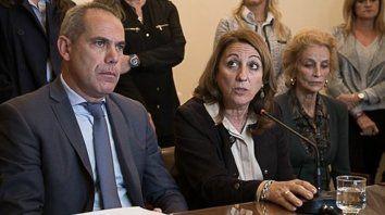 Solidarios. El juez Gustavo Salvador,la intendenta Mónica Fein y la ministra de la Corte María Angélica Gastaldi.