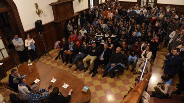 En el Concejo. El panel contó con una gran asistencia.