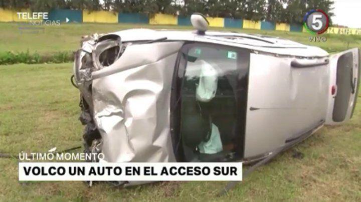 Dos chicos heridos luego de que un conductor se durmiera y chocara a otro auto en el Acceso Sur
