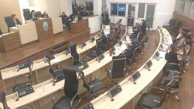 El recinto de sesiones del Concejo luego de que se dispusiera la votación nominal y los ediles opositores dejaran la sala.