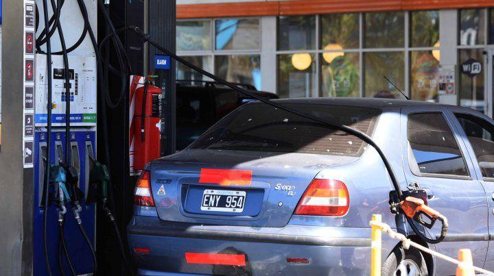 Se frenó el aumento de combustibles que se iba a aplicar mañana