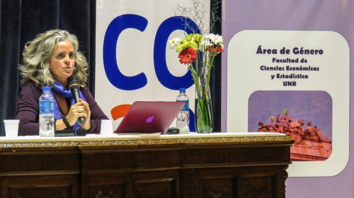 Economia feminista.Corina Rodríguez Enríquez estuvo invitado en Rosario por el Area de Género de la Facultad de Ciencias Económicas (UNR) y el Area de Mujeres
