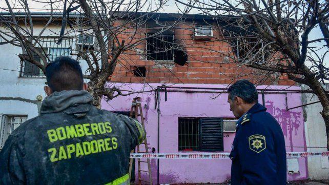 Las cuatro víctimas fallecieron en la planta alta de la vivienda.