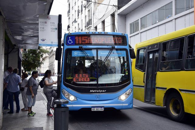 Irizar dijo que hay que pensar en el bien general y que no se caiga el sistema de transporte