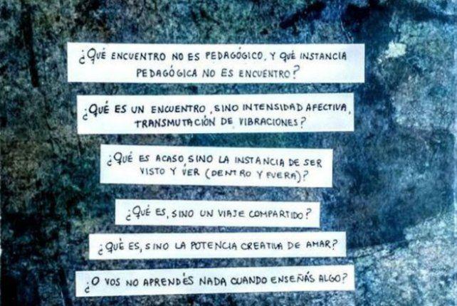 La tapa del libro Crónicas Sensibles.